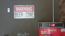 cerveja gelada Cadeira de Barbeiro barbearia